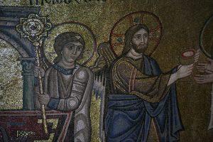 Христос и Ангел, фрагмент Евхаристии, мозаика в алтарной апсиде, Собор Святой Софии, Киев, XI век