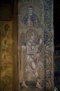 Мученик Аэтий и Архангел Гавриил (Благовещение), мозаики на северном алтарном столбе, Собор Святой Софии, Киев, XI век