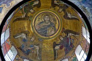 Мозаики главного купола (сохранились фигура Христа Вседержителя и одного Архангела), Собор Святой Софии, Киев, XI в.