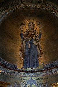 """Богородица """"Нерушимая стена"""", мозаика в конхе алтарной апсиды, Собор Святой Софии, Киев, XI век"""
