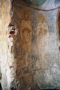 Святители Григорий Богослов и Иоанн Златоуст. Фреска крещальни Святой Софии Киевской, 12 век.