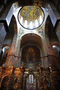 Мозаики 11 века в интерьере собора